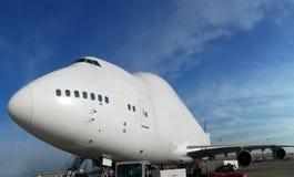 Avion à réaction énorme de cargaison Images libres de droits