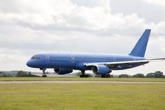 Avion à réaction bleu Photographie stock