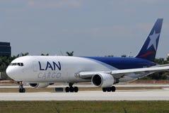Avion à réaction de cargaison de réseau local Chili Photographie stock