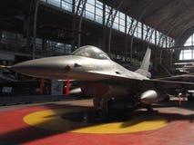 Avion à réaction de combat du faucon F-16 sur l'affichage Bruxelles Belgique Images libres de droits