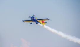 Avion acrobatique aérien Image libre de droits