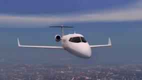 Avion au-dessus de ville de nuit Images libres de droits
