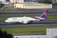 Avion Boeing 787 Dreamliner de Thai Airways Images stock