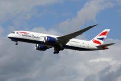 Avion Boeing 787-8 Dreamliner Londres Heathrow de British Airways Photographie stock libre de droits