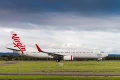 Avion commercial prêt à décoller Photographie stock libre de droits