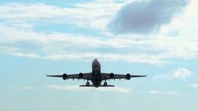 Avion commercial se soulevant  banque de vidéos