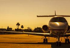 Avion d'or Images stock