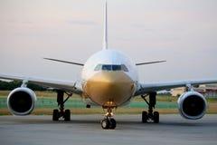 Avion d'Air China dans Ferihegy, Hongrie Image stock