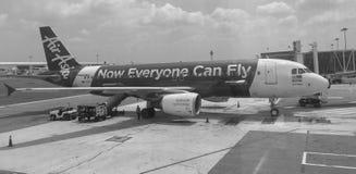 Avion d'AirAsia à l'aéroport de Tan Son Nhat dans Saigon, Vietnam Images libres de droits