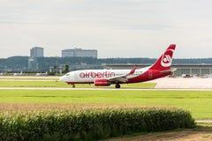 Avion d'AirBerlin à l'aéroport de Stuttgart Images libres de droits