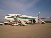 Avion d'Alitalia stationné à Rome Photos libres de droits