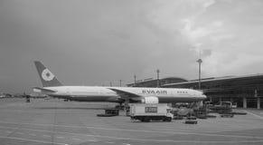Avion d'EVA à l'aéroport de Tan Son Nhat dans Saigon, Vietnam Photo stock