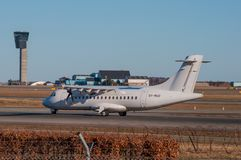 Avion danois de turbopropulseur d'ATR 42-500 de transport aérien Images stock