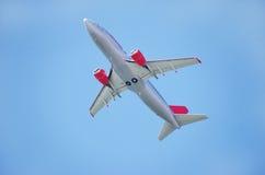 Avion dans l'aéroport de Faro Image stock