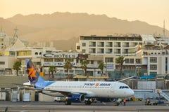 Avion dans l'aéroport Eilat Israël de ville Image libre de droits