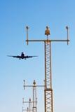Avion de approche Photo libre de droits