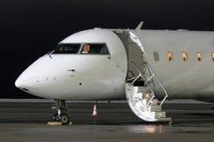 Avion de attente Photos stock