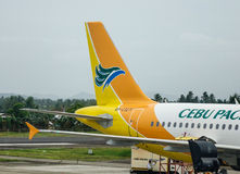 Avion de Cebu Pacific à l'aéroport dans Kalibo, Philippines Photos libres de droits