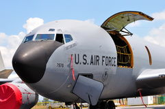 Avion de charge militaire de l'U.S. Air Force Boeing chez Airshow 2010 Images libres de droits