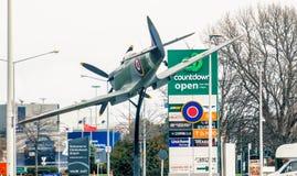 Avion de combat de tête brûlée situé près de l'aéroport de Christchurch Images libres de droits