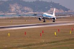 Avion de compagnies aériennes d'Air China Images libres de droits