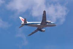 Avion de compagnies aériennes d'Air China Images stock