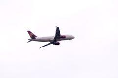 Avion de compagnies aériennes de Juneyao Photos stock