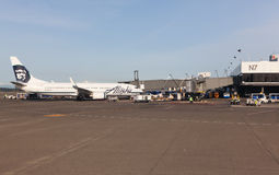 Avion de compagnies aériennes de l'Alaska Photographie stock libre de droits