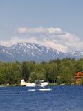 Avion de flotteur sur le lac Seymore Photo stock