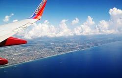 Avion de ligne aérienne de sud-ouest dans le ciel Photo stock