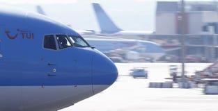 Avion de ligne décollant de l'aéroport de Majorque Photos libres de droits