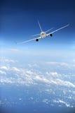 Avion de ligne d'avion à réaction en vol Images stock