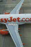 Avion de ligne d'EasyJet. Aéroport de Gatwick. Angleterre Image stock