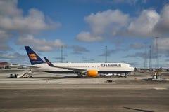 Avion de ligne d'Icelandair Photos libres de droits