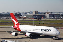 AVION DE LIGNE de QANTAS AIRBUS A380 Photos libres de droits