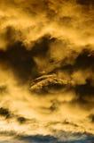 Avion de ligne passant une tempête Photographie stock libre de droits
