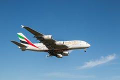 Avion de lignes aériennes d'émirats Photos libres de droits