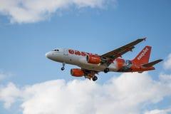 Avion de lignes aériennes d'Easyjet Photos stock