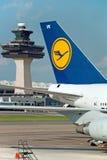 Avion de Lufthansa Airbus sur l'aéroport de Washington Photographie stock