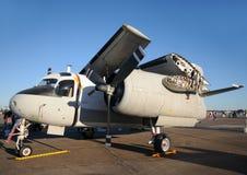 Avion de marine avec les ailes pliées Images libres de droits