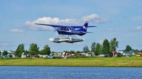Avion de mer au capot de lac en Alaska Photographie stock