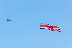 Avion de moteur avec le drapeau de la Grande-Bretagne Photo libre de droits