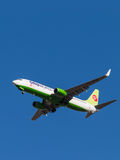 Avion de passagers Boeing-737, S7 Airlines Photos libres de droits