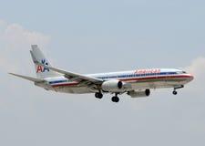 Avion de passagers d'American Airlines Boeing 737 Photographie stock libre de droits