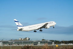 Avion de passagers d'EL Al Boeing 767 Photo stock
