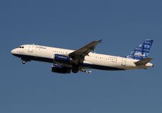 Avion de passagers de Jetblue Photo stock