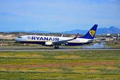 Avion de passagers fumant les pneus Photo libre de droits