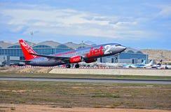 Avion de passagers Jet2 d'aéroport d'Alicante décollage de COM Photographie stock