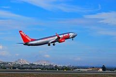 Avion de passagers Jet2 d'aéroport d'Alicante décollage de COM Photographie stock libre de droits