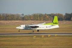 Avion de passagers régional du Fokker 50 Image libre de droits